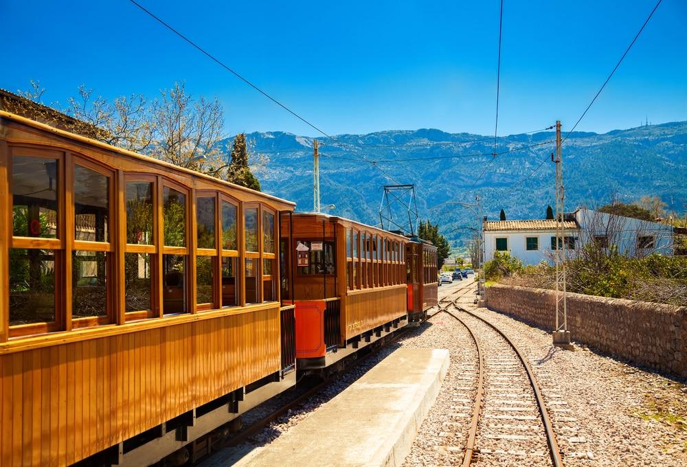 Tren de madera de Palma a Sòller Mallorca