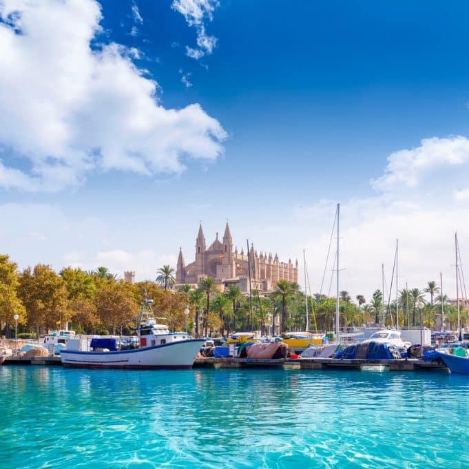 Puerto marítimo de Mallorca y Catedral